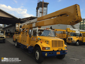 Altec A70 Articulating Non-Overcenter Aerial Lift
