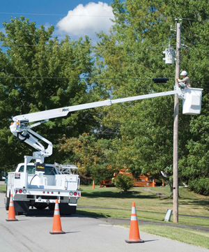 Altec AT235 articulated telescopic non-insulated aerial lift