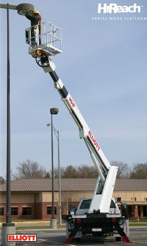 Elliott V60 bucket truck