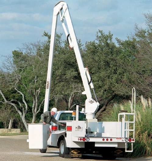 Versalift VN55-I Articulated Non-Overcenter Aerial Lift